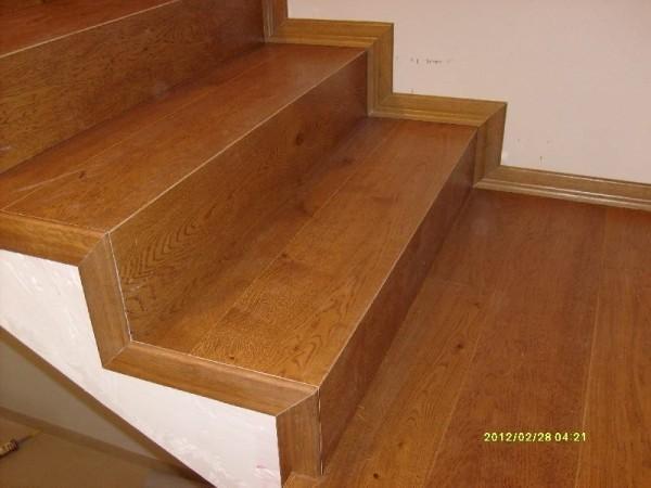 schody-z-drewna-jesionowego-gdansk
