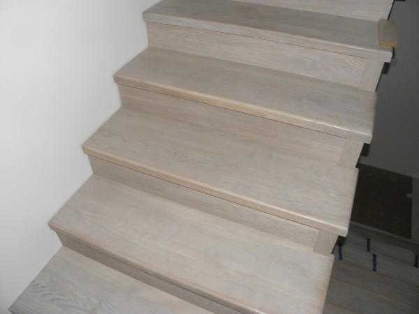 schody-z-drewna-jesionowego-spid
